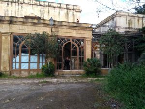 verwilderter Garten in Santa Flavia