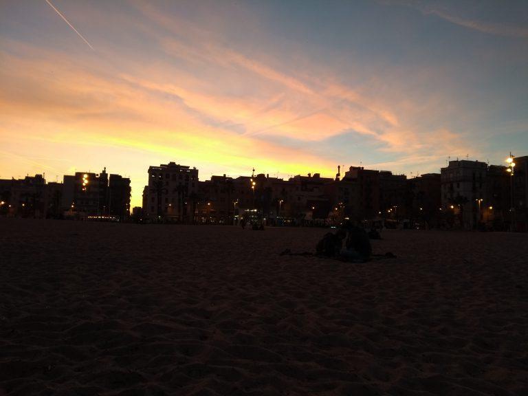 am Strand in Barcelona (3)